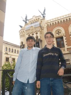 David y Alejandro creadores de DaxOS
