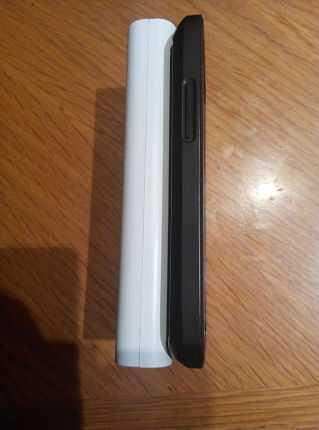 Comparación grosor Romoss y Nexus 4