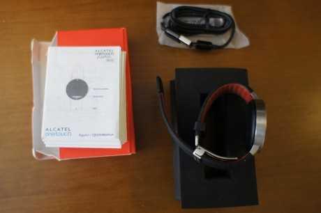 Contenido de la caja del Alcatel Onetouch Watch