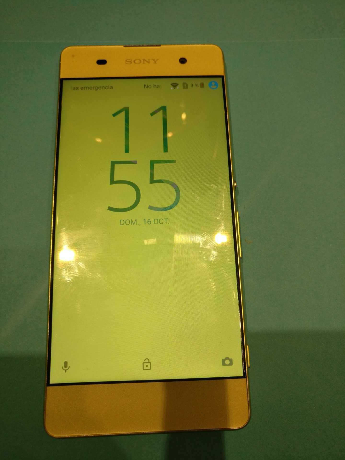 Vista frontal Sony Xperia XA