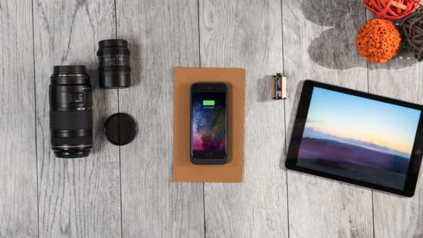 mophie_434_12_jpa-ip7-blk-wood-camera_lens_ipad_2000px_JuicePackAir_99